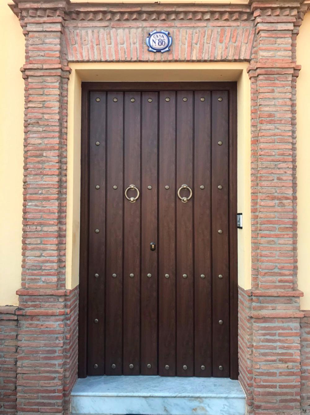 Puertas de entrada for Precio puerta corredera aluminio