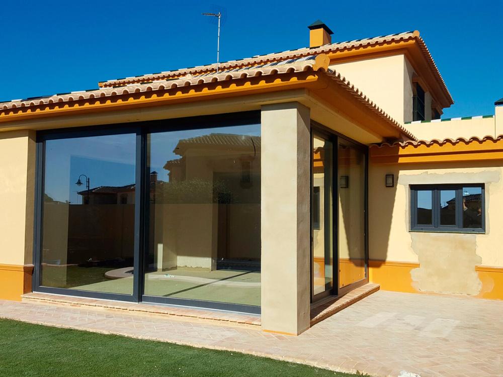 Comprar ventanas de aluminio la mejor oferta relaci n for Ventanales elevables