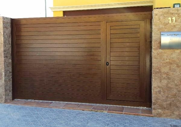 Puerta garaje basculante precio simple motor puerta for Puerta garaje basculante precio